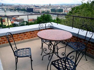 smal terrace
